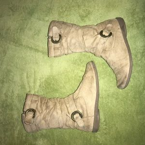 airwalk khaki suede-like boots sz 2
